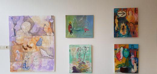 wand-met-schilderijen-1